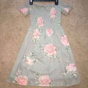Other - Girls casual floral dress
